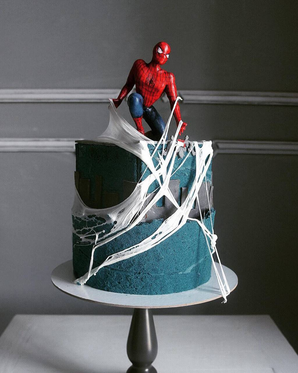 Elena Gnut Spiderman Cake