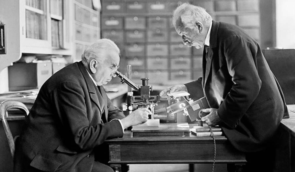 French Lumière brothers inventors of colour photography